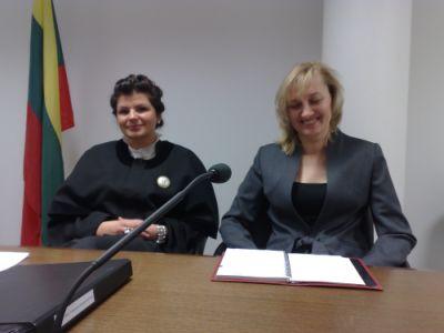 Advokatė Reda Kurlavičienė (kairėje) ir Jolanta Butkevičienė tiki teisingumu