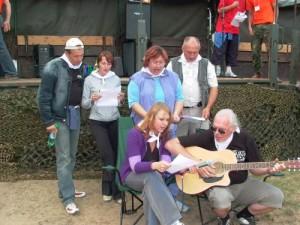 Marijampolės regiono žurnalistai sugalvojo net atskirą žurnalistų himną. 2005 metai tauragėje