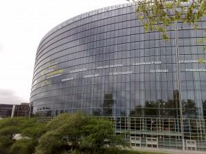 Europos Parlamentas turi du pastatus - Strasbūre ir Briuselyje. Gal užtenka ir vieno?