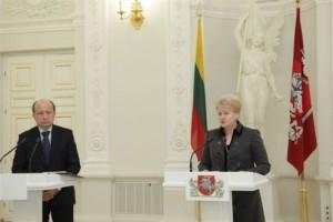 kol kas kalba ir Premjeras, ir Prezidentė. Metas vienam iš jų dirbti. (Nuotrauka iš www.president.lt)